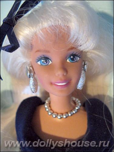 Нарядная кукла Барби Winter Velvet Barbie