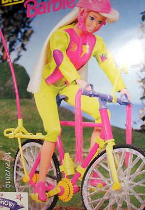 Кукла Барби 90-х на велосипеде