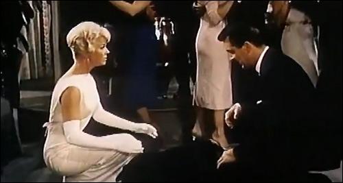 кадр из фильма интимный разговор встреча Дорис Дэй и Рока Хадсона
