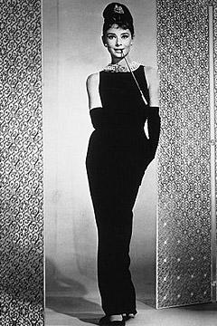 Черное платье Одри Хэпберн от Givenchy воссоздано для Барби