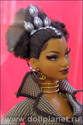 коллекционная Барби от Байрона Ларса Tatu
