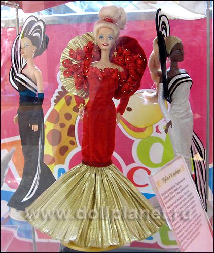 коллекционные куклы Барби на выставке в Атмосфере