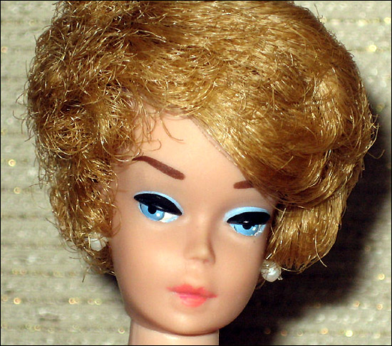 Фото куклы Барби винтажной Bubblecut Barbie