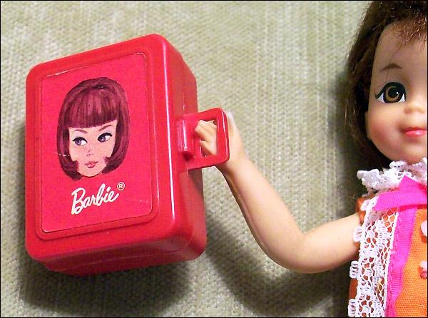 Пластиковый чемоданчик Lets Play Barbie