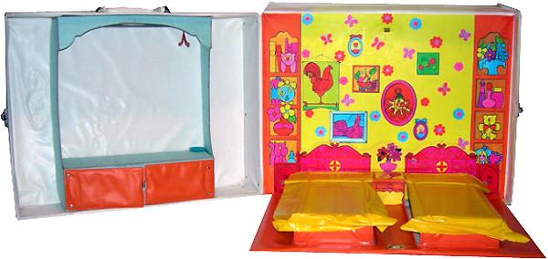 винтажный чемоданчик Barbie раскладной дом