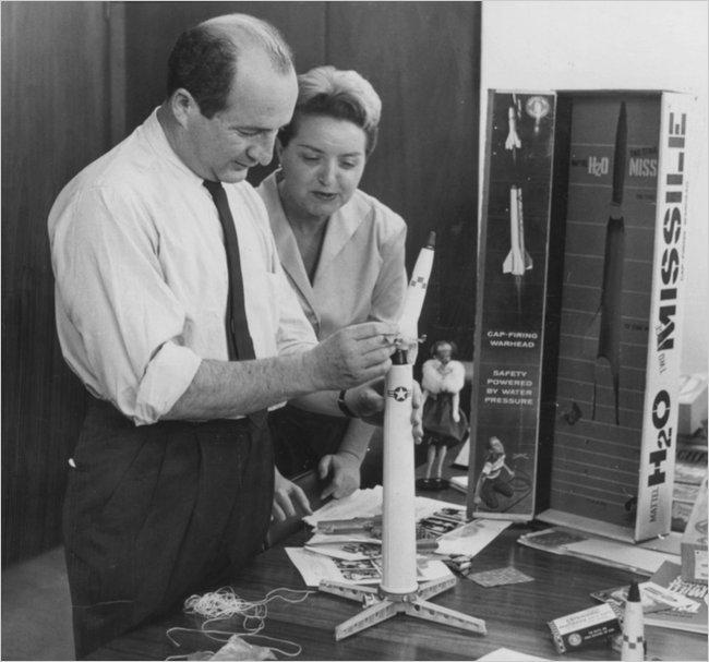 21 июля в возрасте 95 лет скончался Эллиот Хэндлер, один из основателей Mattel