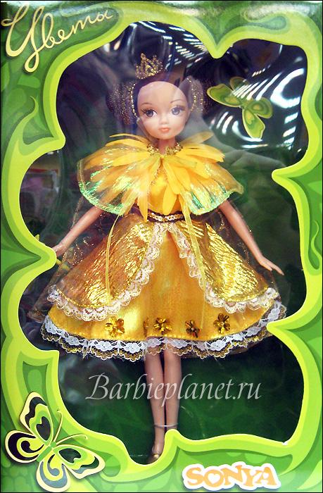 Игровая кукла Соня Цветы живое фото