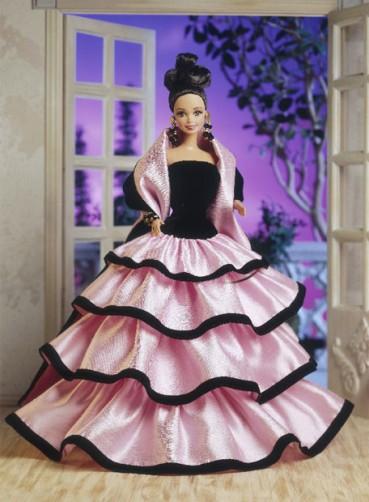 Фото коллекционной куклы Barbie Escada