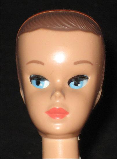 Фото куклы Барби винтажной с закрывающимися глазами