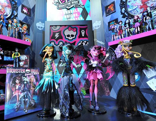 ФОТО! Барби, Monster High, другие куклы и игрушки Mattel на New York Toy Fair 2012