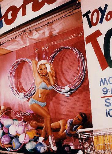 Памела Андерсон — кукла Барби. Фото Давида ЛяШапеля