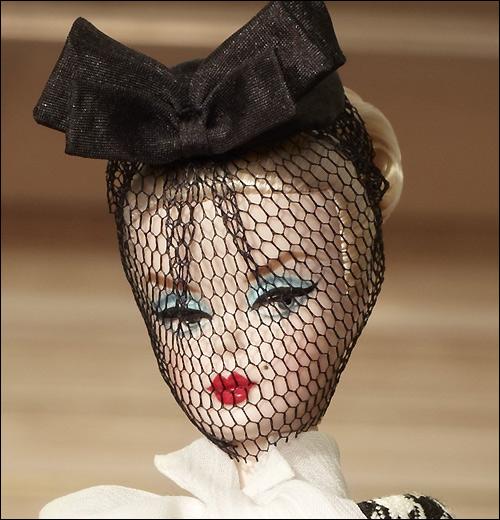 Новинка Барби 2012 Коллекционная кукла Walking Suit Silkstone Barbie