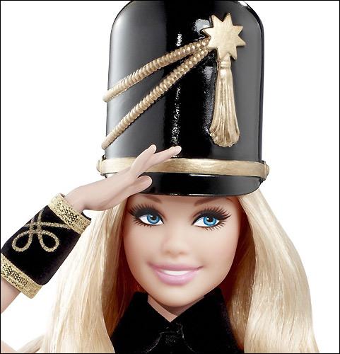 Фото Барби коллекционной для FAO Schwarz кукла оловянный солдатик