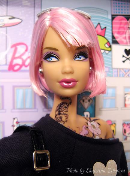 Коллекционная кукла Барби с татуировками Токидоки