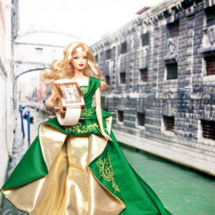 Коллекционная кукла Барби Holiday Barbie 2011 и элитные часы