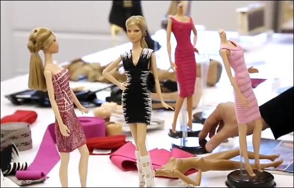 Кадр из видео о кукле Барби Herve Leger