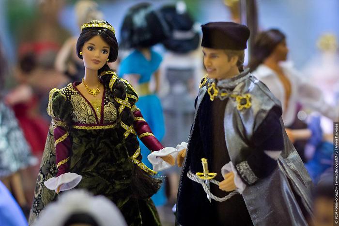 Барби и Кен в роли Ромео и Джульетты