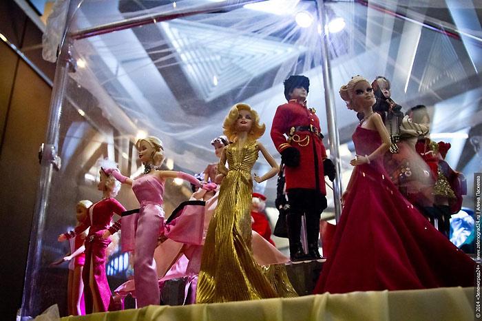 Живые фото кукол Барби и Кенов с выставки 2014 года