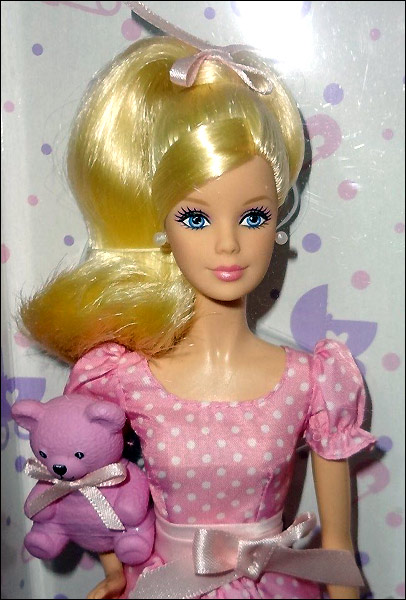 Живое фото куклы Барби Это Девочка 2014