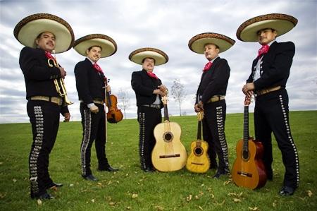 Музыканты Мариачи из Мексики