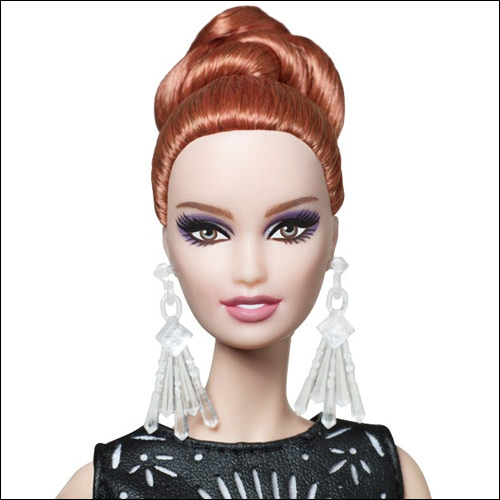 Фото клубного эксклюзива Барби Laser Leatherette Barbie 2014