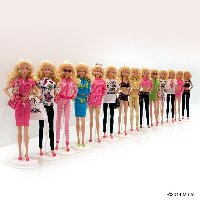 Уникальные наряды Барби Moschino